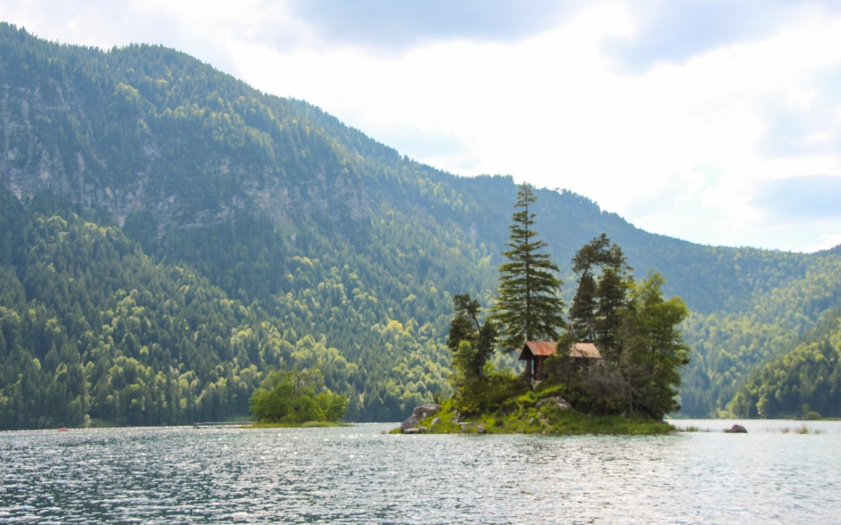 A lone cabin in the middle of the Eibsee. Bavaria, 2015